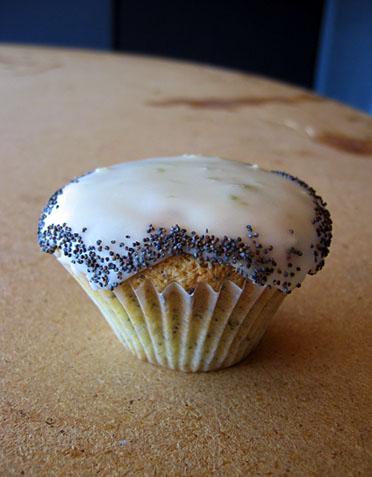 cupcake-limepoppyseed.jpg