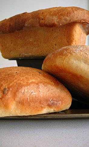 potatobread-loafnrolls.jpg