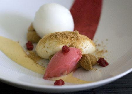 Raspberry Sour Cream Cake Filling