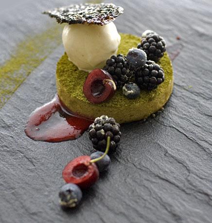 lemonpi » An ode : Green tea and white chocolate cake, summer fruits ...