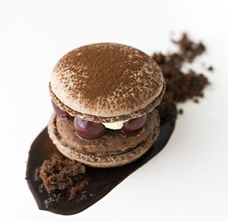 DaringBakers-BlackForestMacaron2