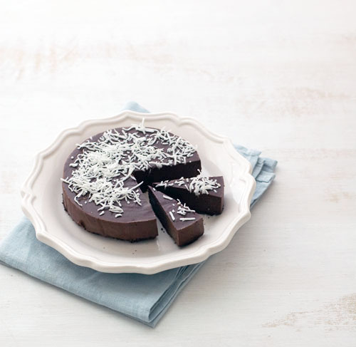 Raw and Vegan Chocolate Ganache Cake